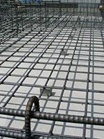 縦、横、斜めからの荷重に強い「鉄筋入り基礎